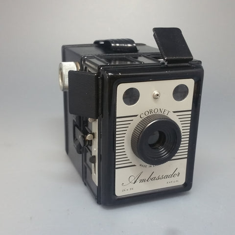 Coronet AMBASSADOR 6 x 9 cm 120 film box camera