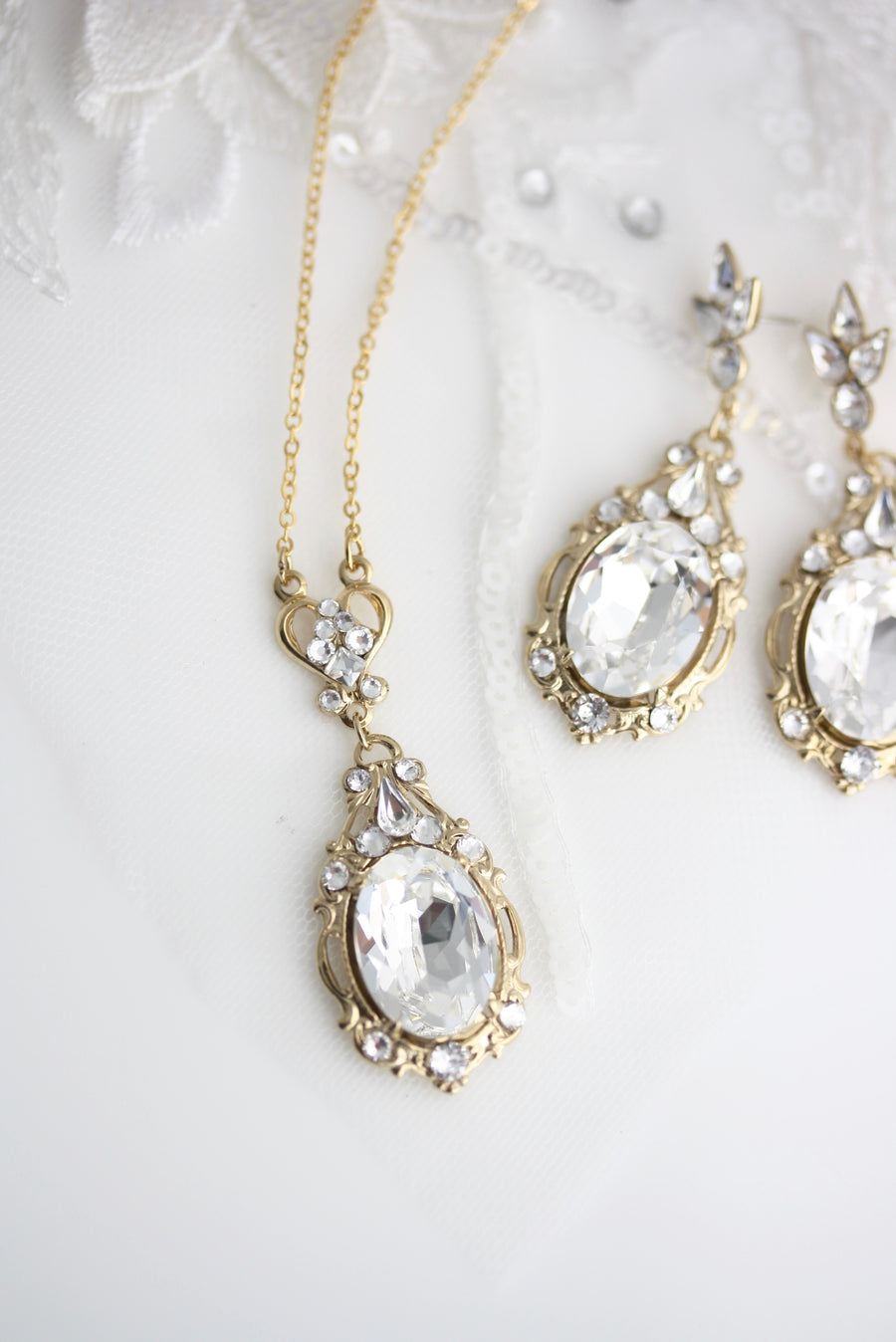 Ryan Crystal Earrings and Necklace Set - Lulu Splendor