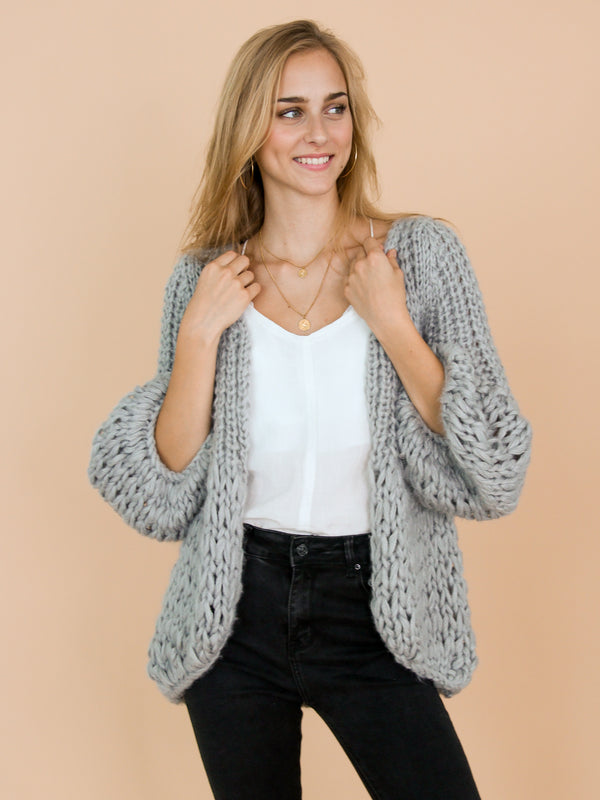 Goodnight Macaroon 'Lillibeth' Grey Chunky Knit Open Cardigan Model Front Half Body 1