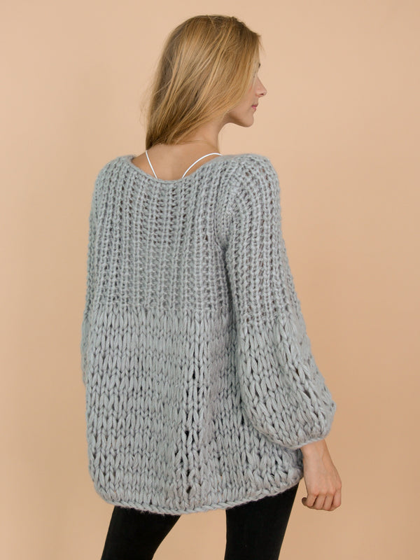 Goodnight Macaroon 'Lillibeth' Grey Chunky Knit Open Cardigan Model Back Half Body