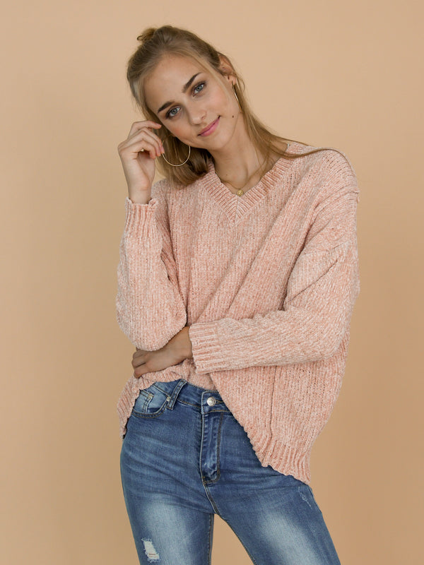 Goodnight Macaroon 'Jenna' V-Neck Chenille Ribbed Oversized Sweater Model Front Half Body