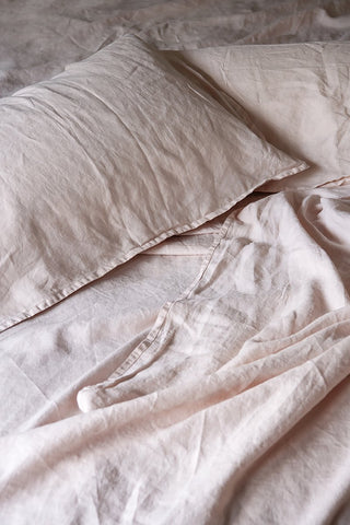 bedtonic sheet set in blush