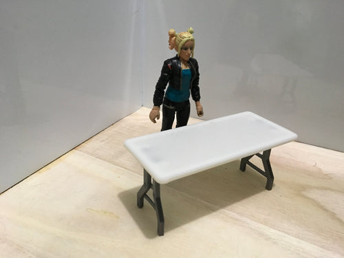 Folding Table (1:18 scale)