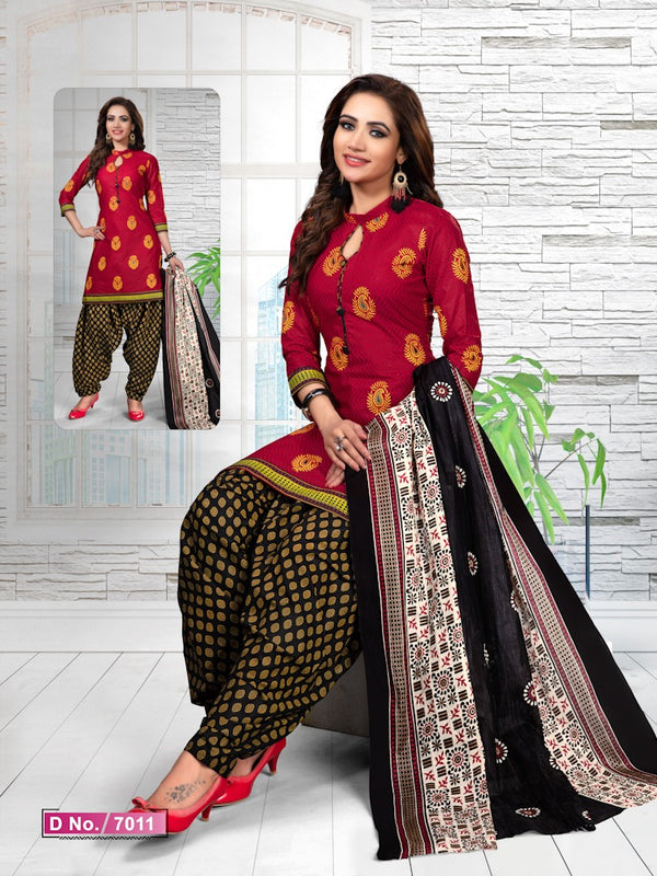 Imposing Red And Black Cotton Heavy Material Salwar Suit