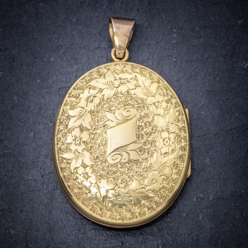 ANTIQUE VICTORIAN ENGRAVED 18CT GOLD LOCKET CIRCA 1880 back