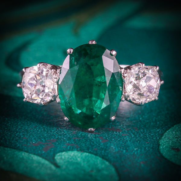 FABULOUS 4.50CT EMERALD & 1.30CT OLD CUT DIAMOND TRILOGY 18CT WHITE GOLD RING COVER