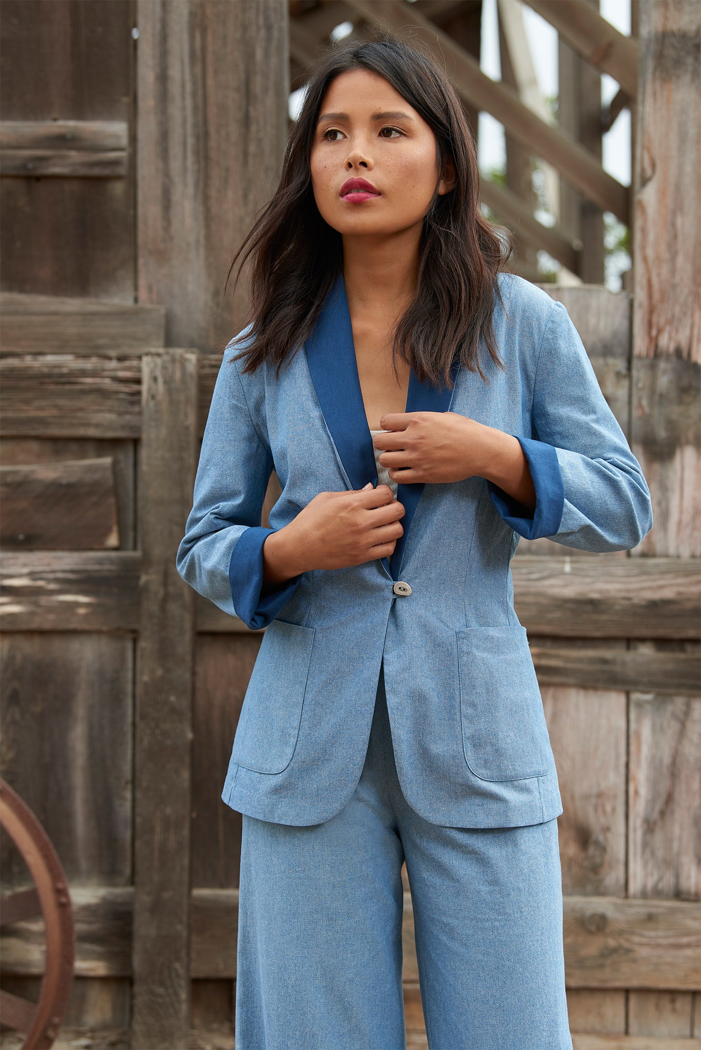 GALLERY BLAZER - Chambray/Midnight