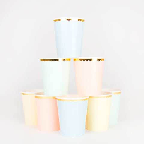 8 pastel cups - Gold edge
