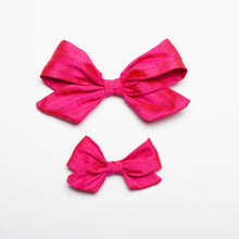 "Load image into Gallery viewer, Fushia Nubby Silk 5"" Large Kate Bow"