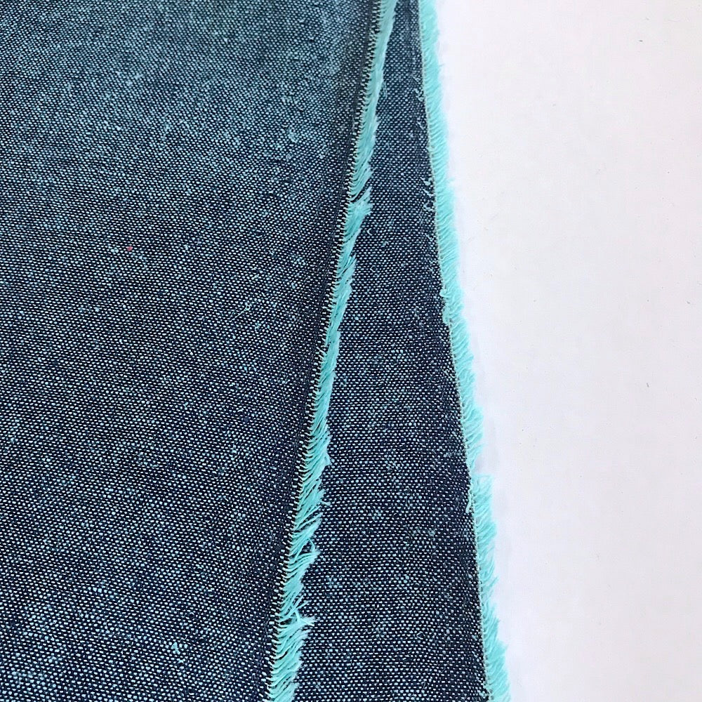 55% linen + 45% cotton, Essex Yarn Dyed chambray by Robert Kaufman - Peacock