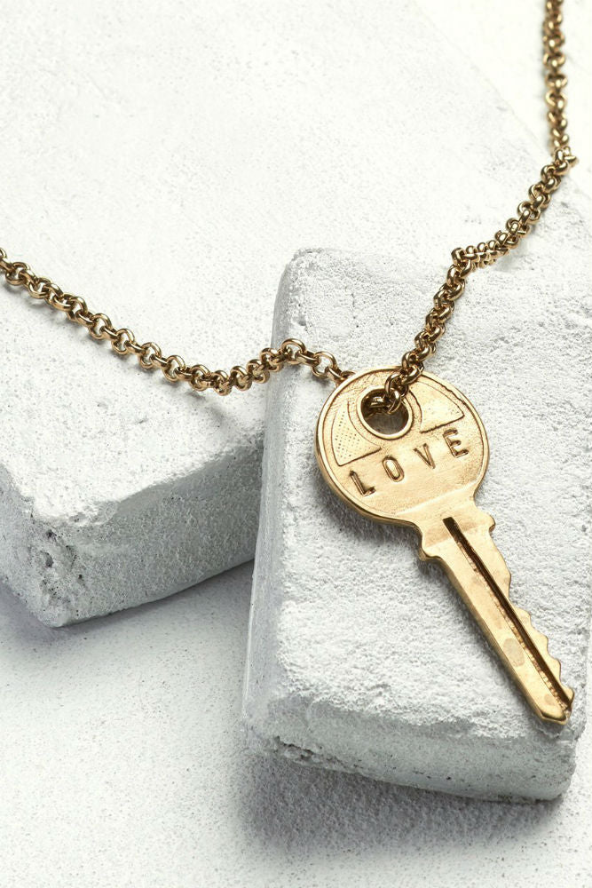 THE GIVING KEYS Classic Key Necklace Love Antique Gold