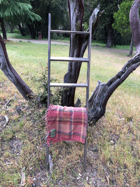 June Project #1 - Farmhouse Style Blanket Ladder