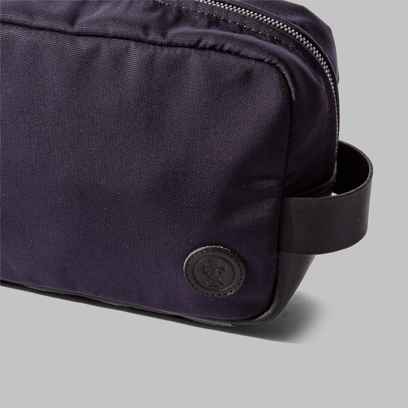 Brindley | Mens Navy Nylon & Leather Wash Bag | Thorndale