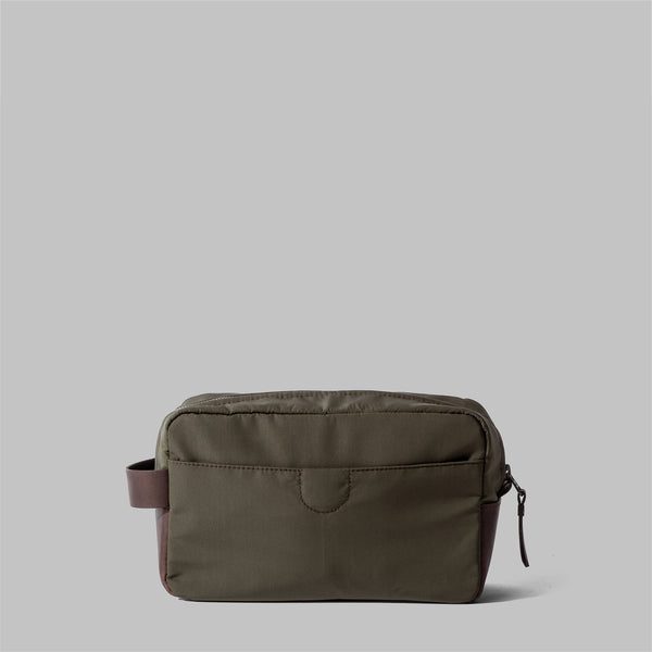 Brindley | Mens Olive Green Leather Wash Bag | Thorndale, UK
