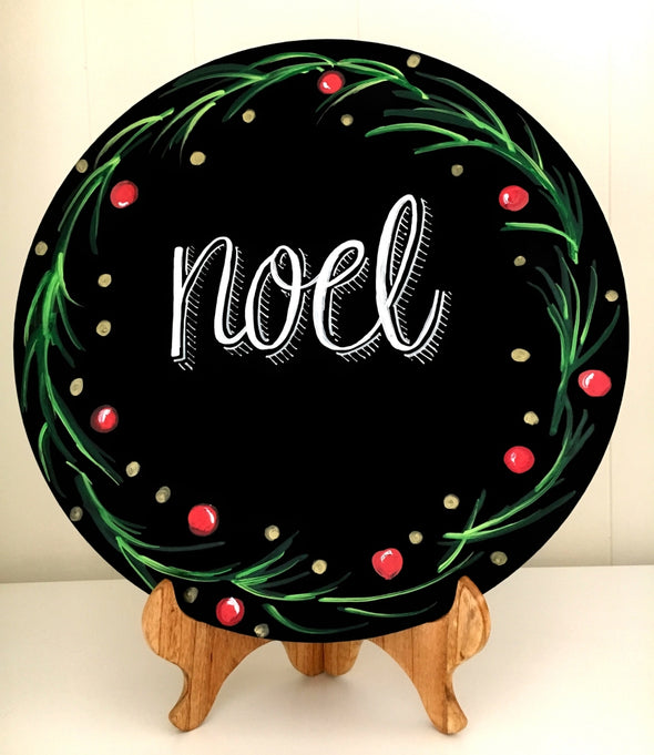 Image of round chalkboard with Noel wreath artwork using Chalk Ink 6mm Astroturf Green Artista Pro marker