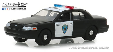 GreenLight 1/64 Hot Pursuit Series 30 - 2008 Ford Crown Victoria Police Interceptor - Oakland, California Police Solid Pack #42870-D