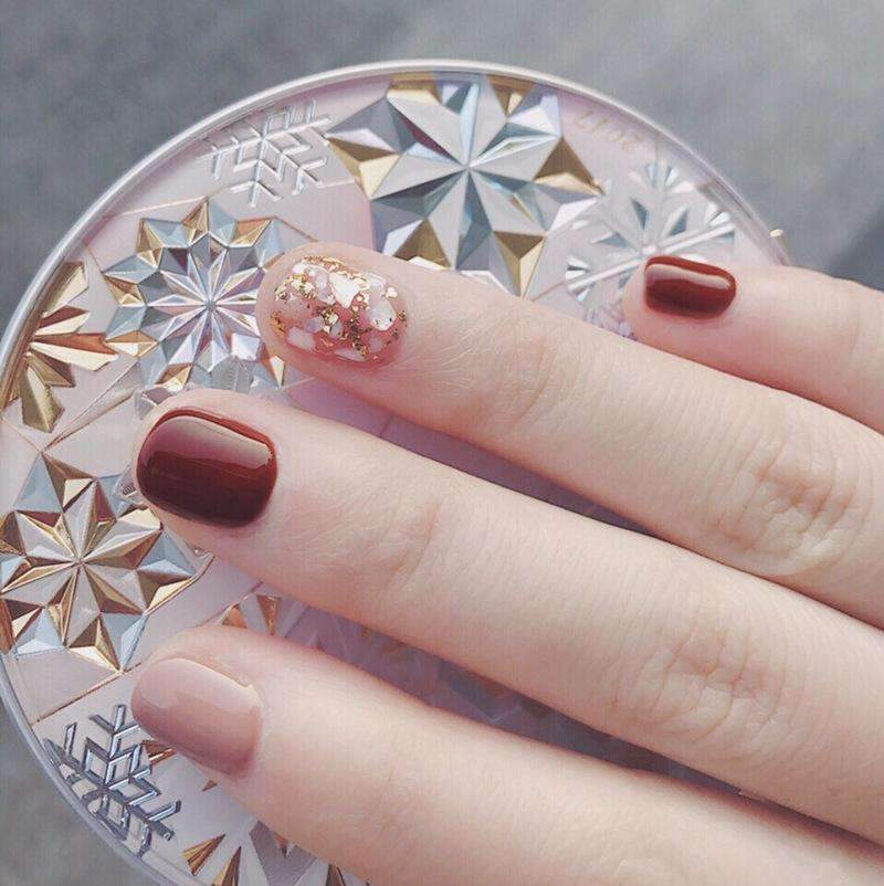 Classic Gold Foil Shell Magic Press Nail Manicure