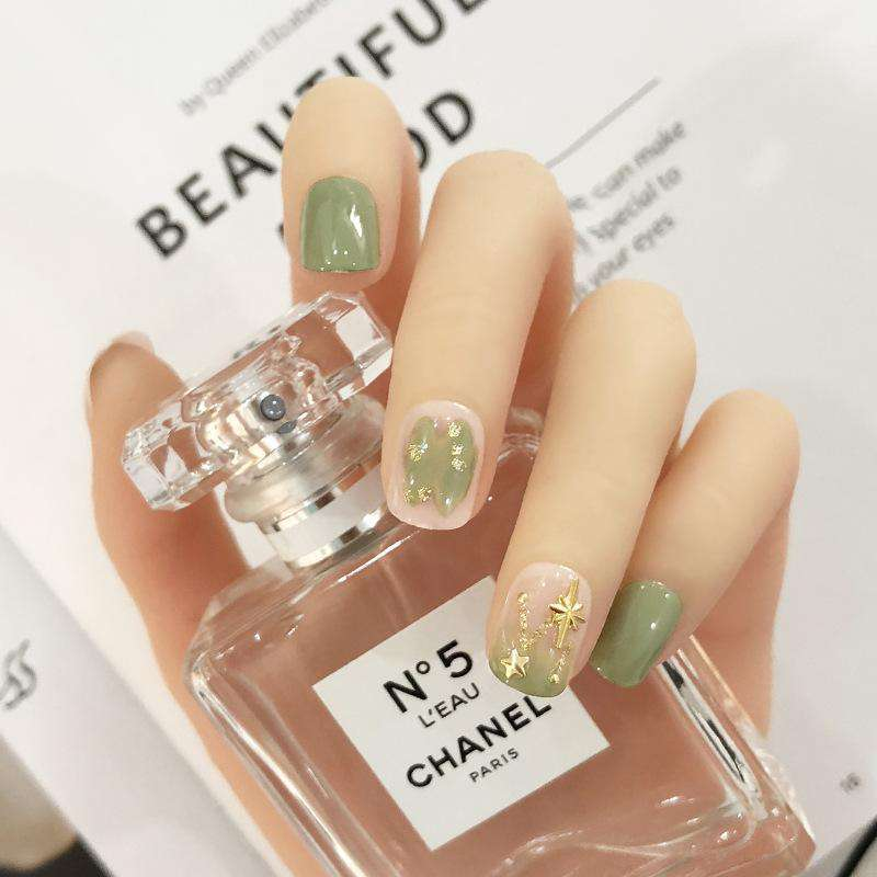 Matcha Leaf Magic Press On Nail Manicure