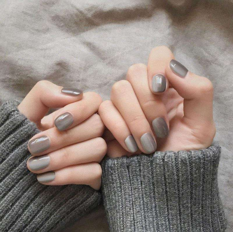 Gray Gradient Magic Press On Nail Manicure