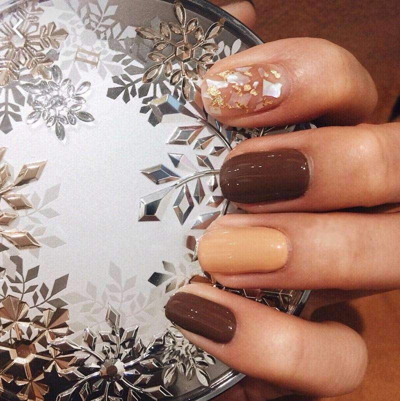 Salted Caramel Magic Press On Nail Manicure