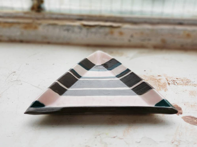 porcelain striped triangle tray/ring dish
