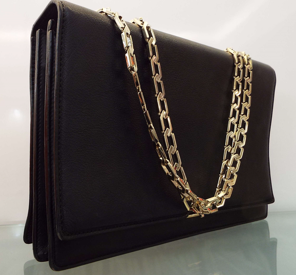 HEXAGONAL CHAIN FLAP HANDBAG