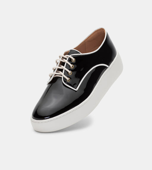 Derby City Black Patent/ White Piping