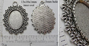 13x18mm Oval Pendant Tray Petite Daisy Border Antiqued Silver (Select Optional Insert)