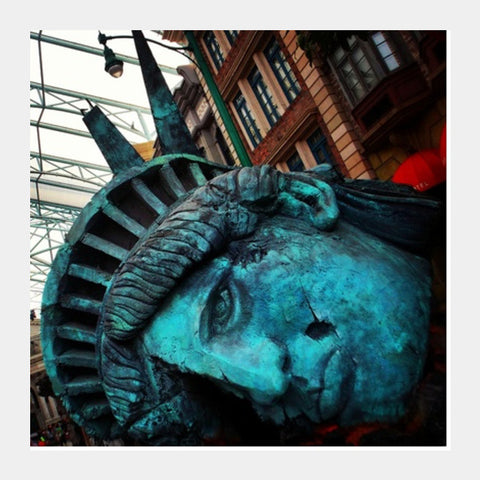Square Art Prints, Liberty Statue @ Universal Studios, Singapore Square Art Prints | Artist : Yagneswar Vamsi, - PosterGully