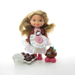 Chocolottie Cherry Merry Muffin doll with cupcakes, comb, and flavor friend