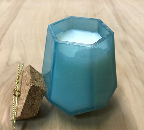 Prism candle: morning dew
