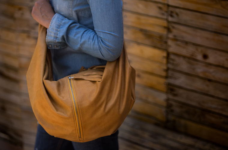 The crossbody Kallia bag in light brown leather made by milloo