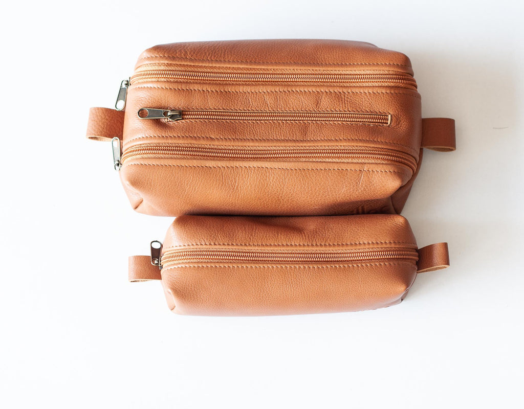 The 2rec case next to the rec case in brown leather by milloo