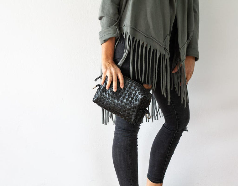 The Calliope purse in black handwoven leather by milloo