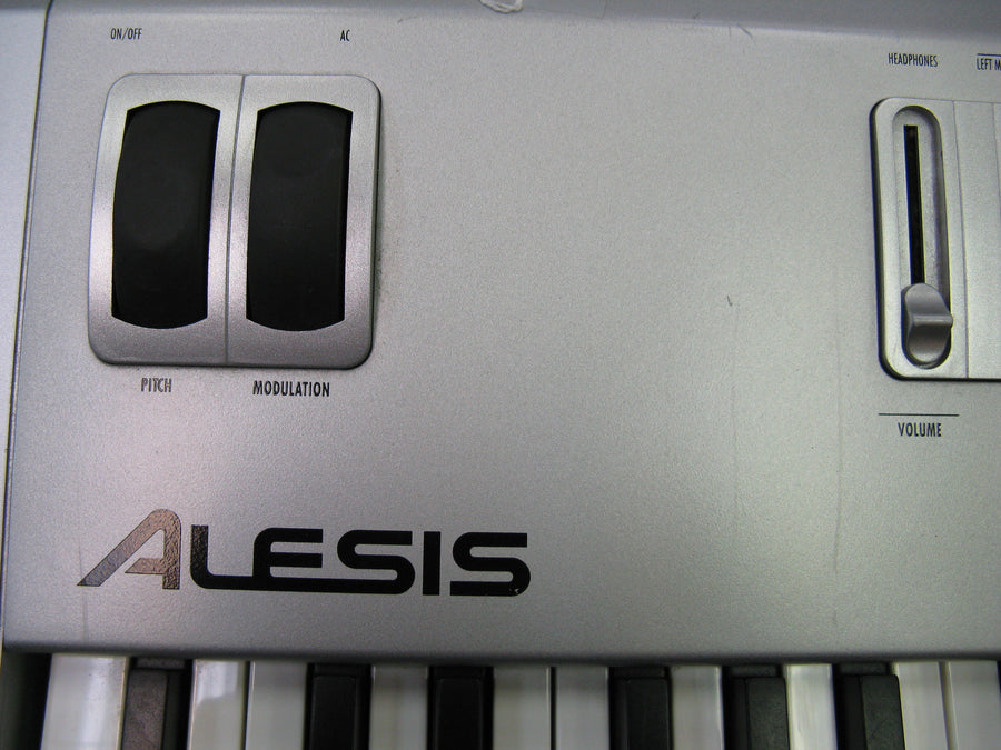 Alesis QS8.2 88 Key Synthesizer - Chicago Pawners & Jewelers