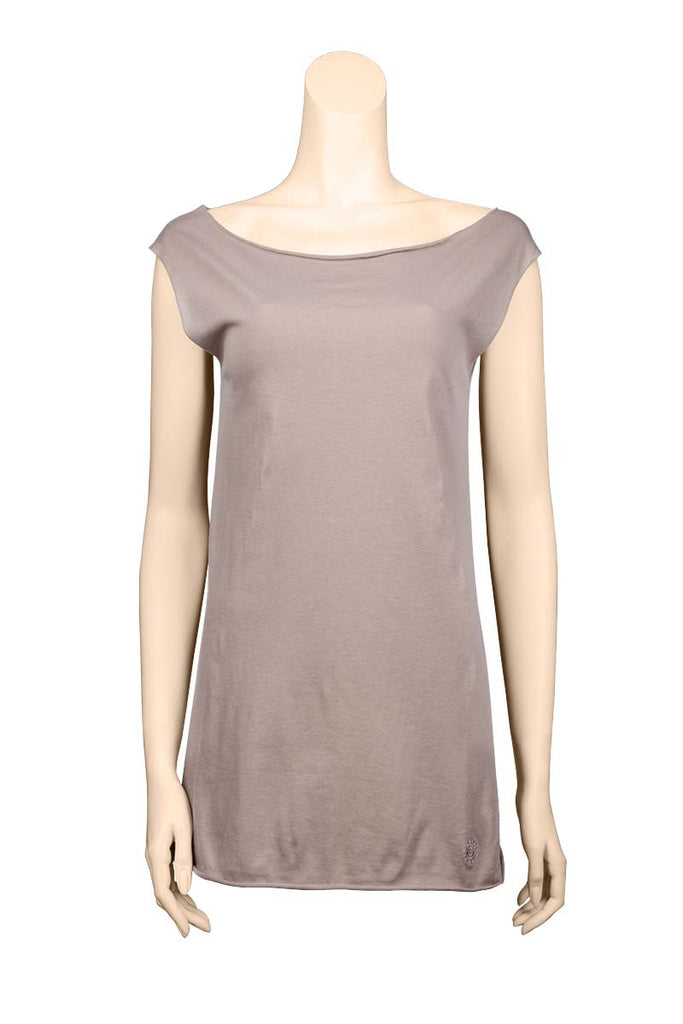 hip tight sleeveless Tee