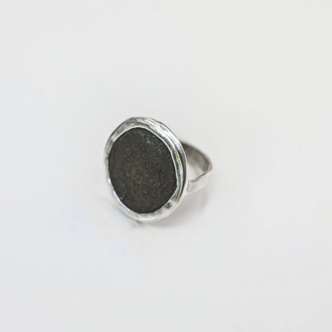 ANTIQUE METAL BUTTON RING {silver}