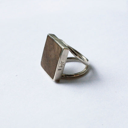 INLAY {wood ring}