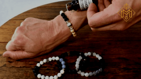What Is Essential Oil Jewelry? Ultimate Guide To Aromatherapy Necklaces & Bracelets