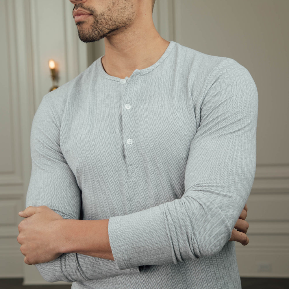 Anchorage - Sweater Henley, lifestyle/model photo