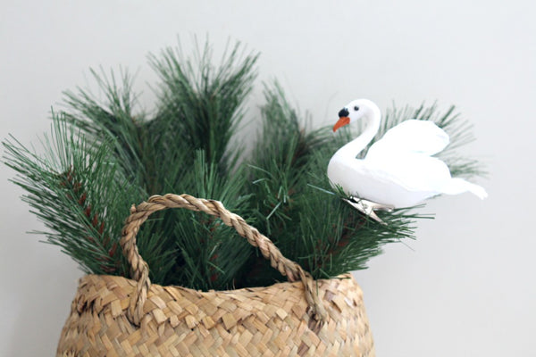 Feathered Swan Decoration | Pop Roc Parties