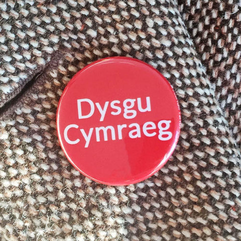 Badge / Pin - Dysgu Cymraeg / Learning Welsh-Jewellery-The Welsh Gift Shop