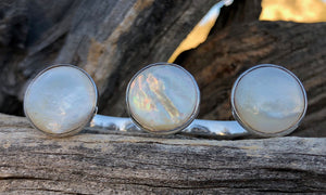 Mother-of-Pearl 3cap № 2 - Valou ::: Home of the Original 3cap ring design :::