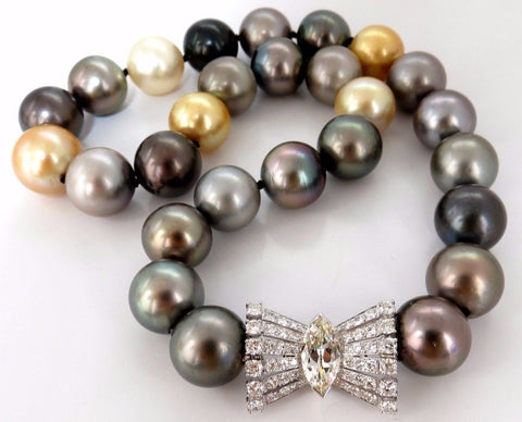 GIA certified Natural Tahitian Pearl Necklace 4.00ct. diamonds 18Kt Magnificent
