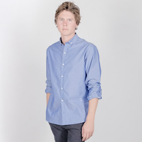Canvas . Malibu: Micro Wide Collar Button Down (chambray)