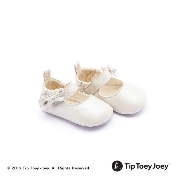 Antique White Leather Baby Shoes