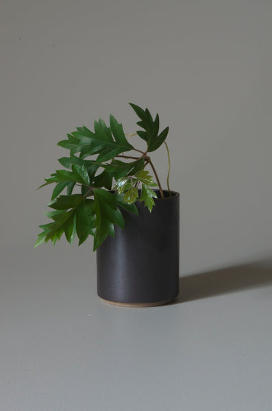 HASAMI BLACK PLANTER S 85 X 106