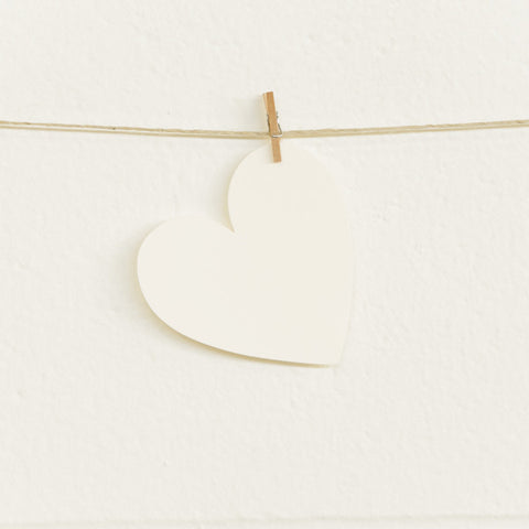 Paper Hearts, Cream Medium, 20pk