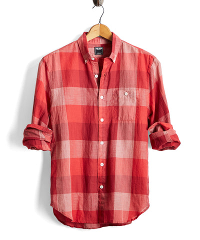 Lightweight Buffalo Check Button Down Shirt in Red