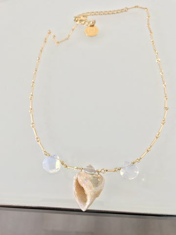 Lumi Shell Necklace